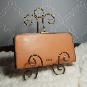 Fossil leather snap clasp wallet clutch